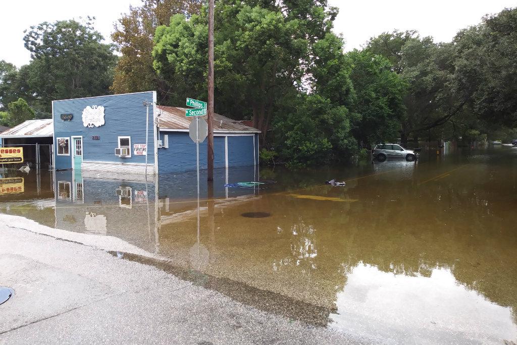 Alvin, TX on Wednesday Aug 30, photo credit, Jennifer Davis